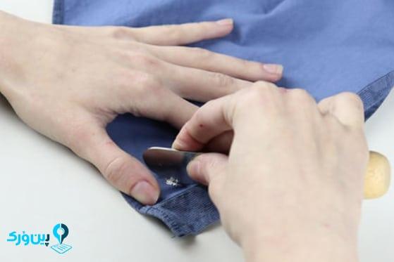 پاک کردن لاک غلط گیر از روی لباس