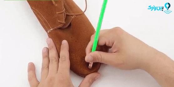 تمیز کردن کفش جیر با پاککن