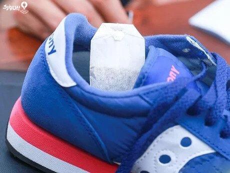 استفاده از تی بگ برای از بین بردن بوی کفش
