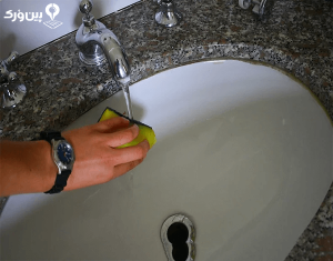 شستن کاشی و توالت