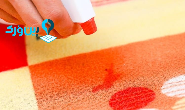 از بین بردن لکه خون از روی فرش با سرکه