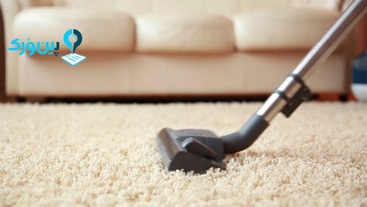 نشاسته ذرت برای از بین بردن لکه روغن از روی فرش