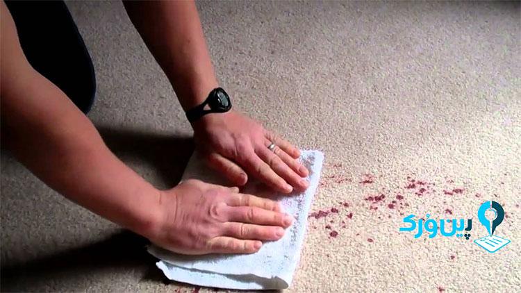 از بین بردن لکه رنگ آکریلیک از روی فرش