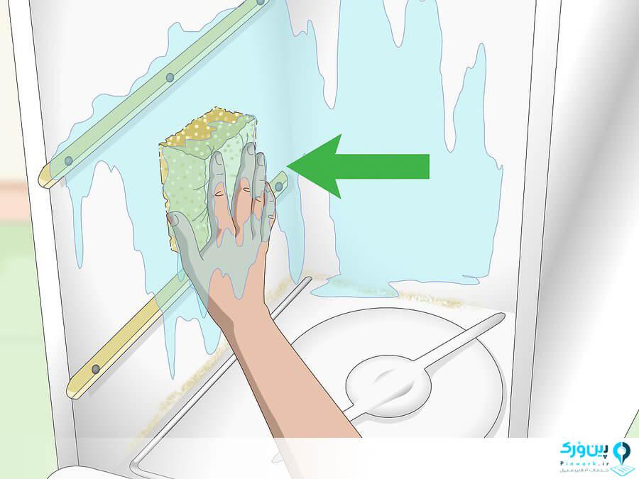 تمیز کردن دیواره های و درب داخلی ماشین ظرفشویی