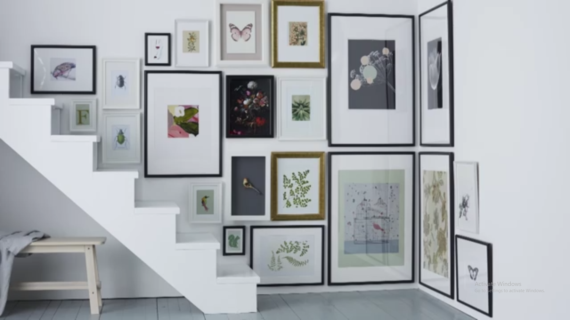 طراحی دیوار با قاب عکس