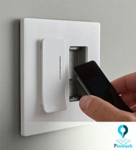 کلید برق در خانه هوشمند