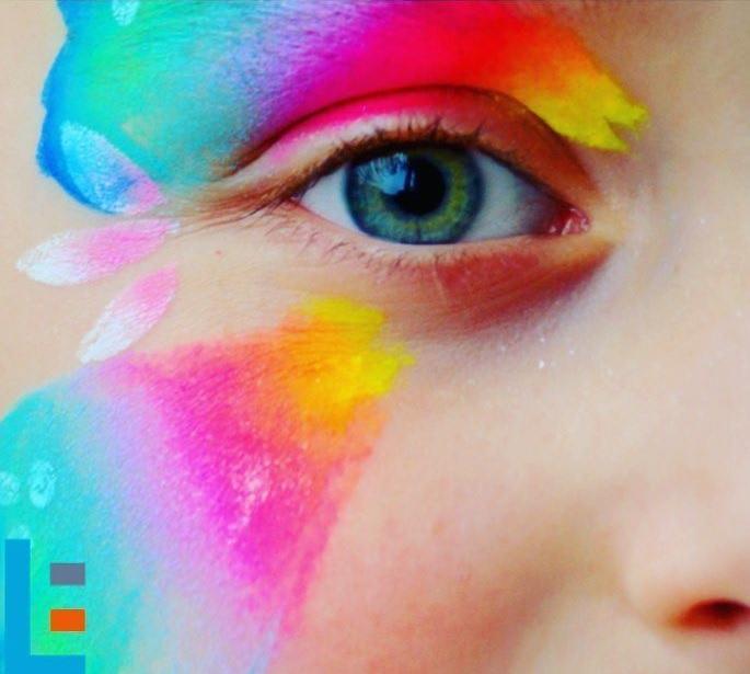 تبریک روز چشم رنگی ها