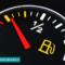 روشن شدن چراغ بنزین خودرو